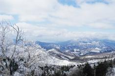 霧氷の吾妻スカイラインから見た磐梯山