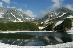 みくりが池からの立山(雄山)と浄土山